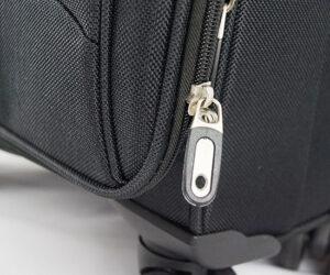 Надежная фурнитура чемодана